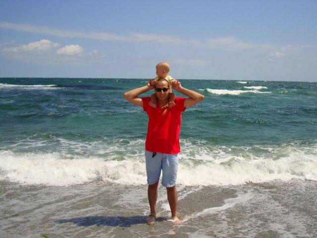 Морето ми е до колене